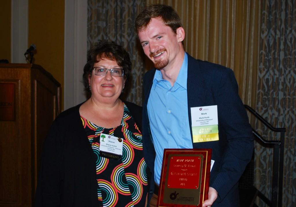 Mark Porth 2013 CDS Student Award (4)