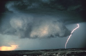 Midwestern wall cloud. Courtesy NOAA Photo Library.