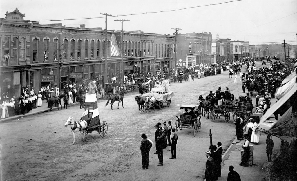 MU College of Agriculture students parade down Broadway in 1910. Courtesy University Archives.