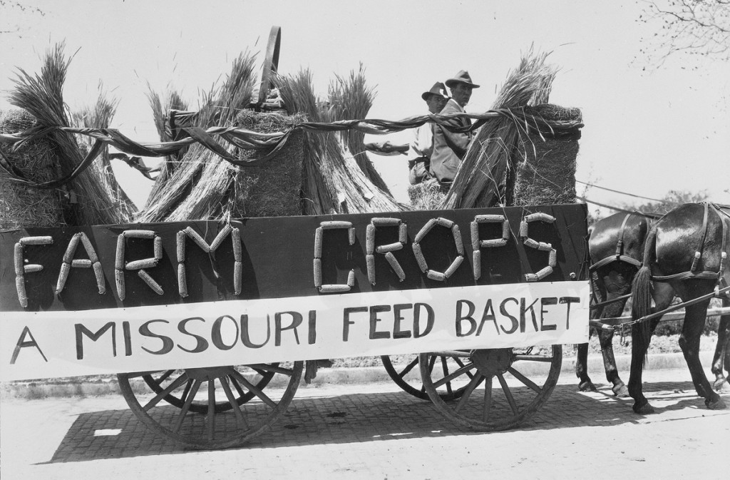Farmers' Week Float 1910. Courtesy University Archives.