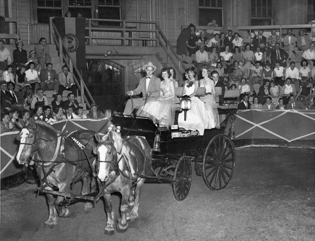 Farmers queen parade 1955. Courtesy University Archives.
