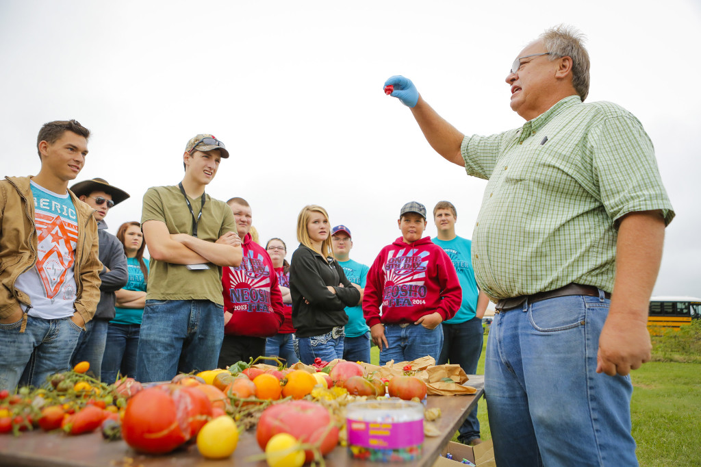 Tim Reinbott, superintendent of Bradford Research Center, spoke to students from Neosho High School about tomatoes and peppers. His center in Columbia operated by CAFNR grows hundreds of varieties of vegetables and shared samples of the tomatoes and even some students braved to try the hot peppers.