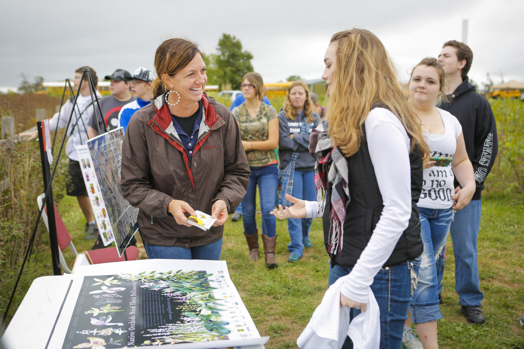 Diana Sheridan, USDA-NRCS resource conservationist, spoke to students from Fordland High School about the importance of bees and other beneficial insects in the landscape. She stressed the need for native plants to help bring in pollinators.
