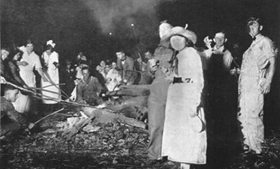 Savitar Marshmellow Roast 1920