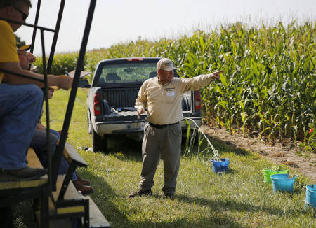 Wayne Flanary discusses legumes for fixing nitrogen in preventive planted fields during the 27th annual Graves-Chapple Research Center Field Day that took place Tuesday, Aug. 25.