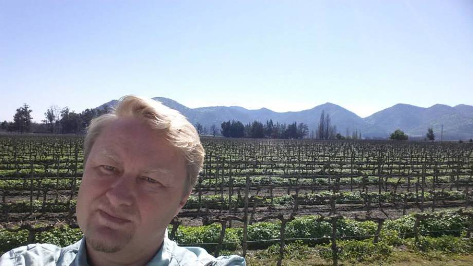 Peter Sutovsky, a professor of animal sciences, snaps a photo of himself at Viñas Santa Rita vineyard in Chile. Photo courtesy of Peter Sutovsky.