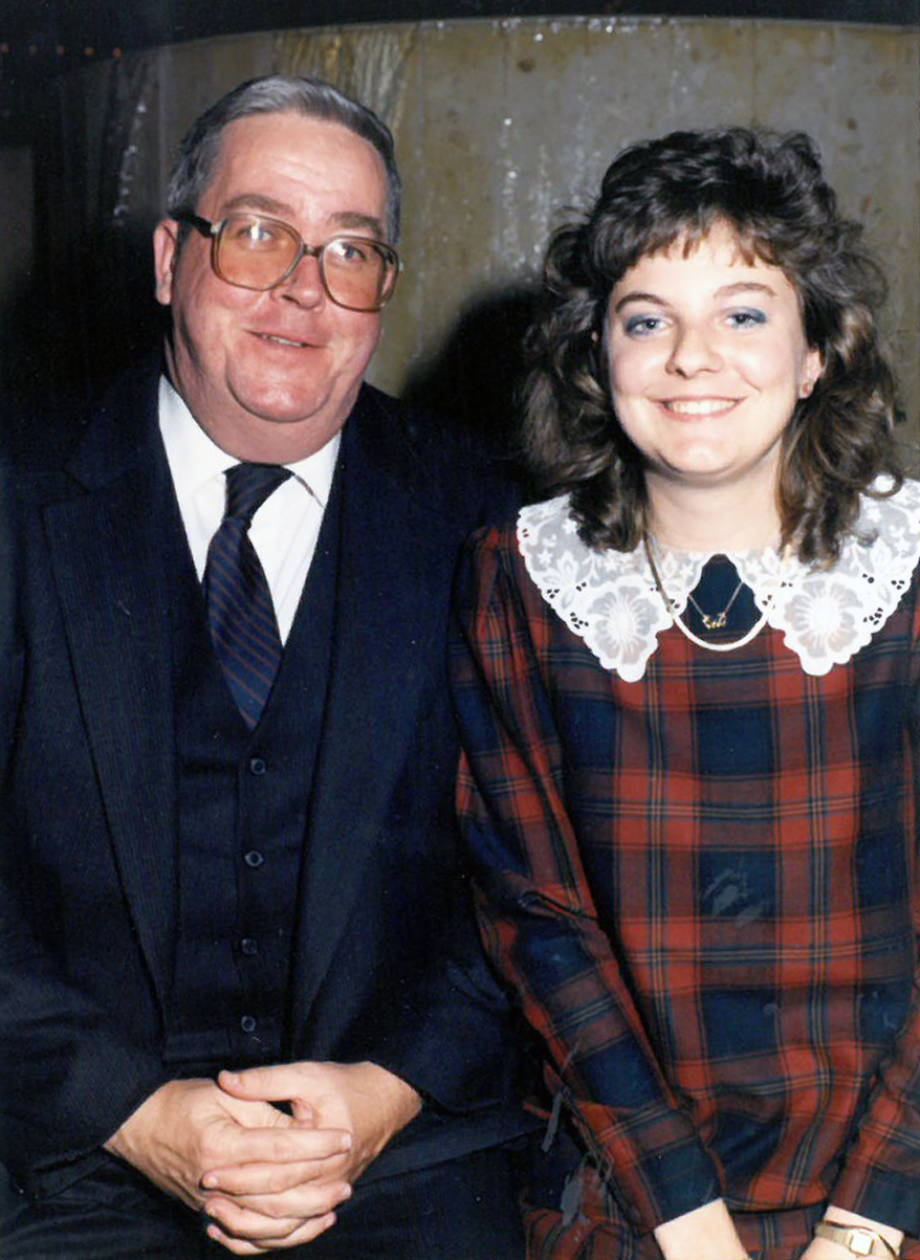 Ron Wenneker and his daughter, Robin, during Kappa Alpha Theta's Dad Weekend in 1988. Photo courtesy of Robin Wenneker.