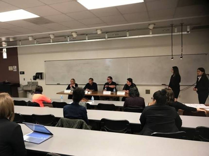 Hospitality management students attending the food and beverage industry panel. Panelists were Anne Conway, Vic Allred, Richard Walls and Susan Dayton.