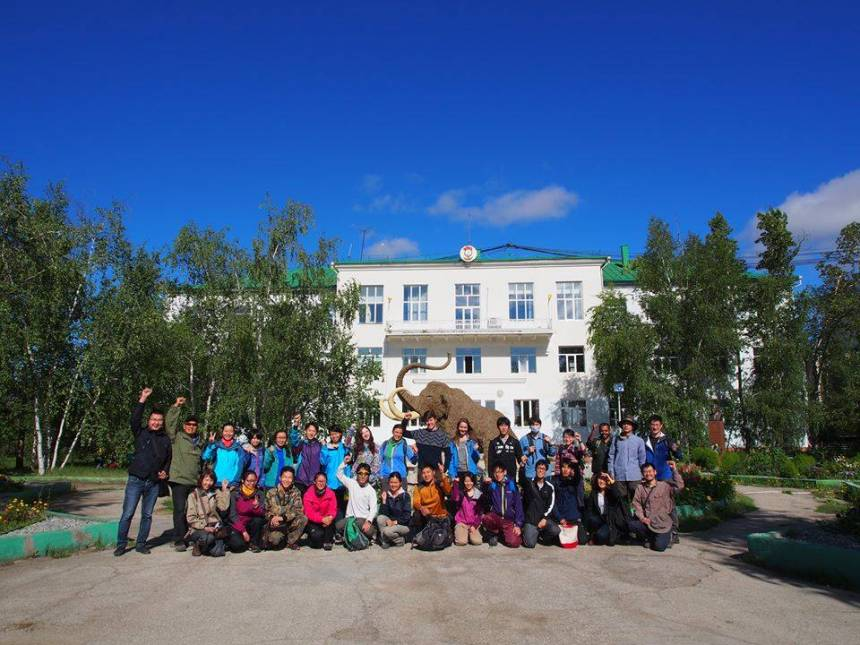 Patteson, back row eight from left, in front of Melnikov Permafrost Institute, one of the first permafrost institutes in the world.