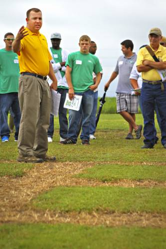Lee Miller's program works with a number of grasses at the South Farm Research Center, including bentgrass and bermudagrass, which are important for golf, soccer, football and other athletic fields. They also evaluate tall fescue, Kentucky bluegrass and zoysiagrass, which are often used in home lawns and commercial areas.