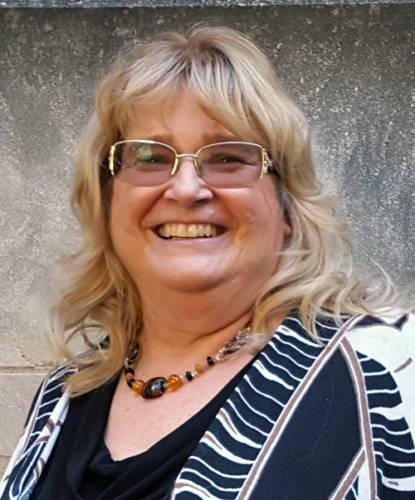 Debra Parker Oliver, CAFNR Alumni, and recipient of a 2018 Faculty-Alumni Award.