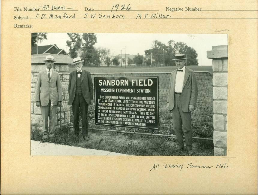 1926 F.B Mumfod, S.W Sanborn, M.F Miller in summer hats